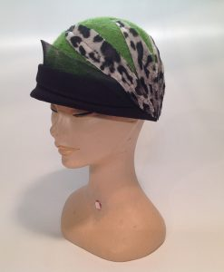 cloche in Jersey cooked with applications and end fleece - side-frontal view