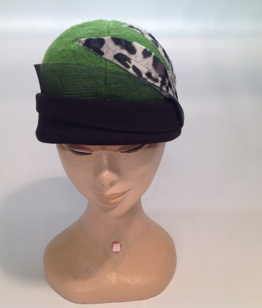 cloche in Jersey cooked with applications and end fleece - frontal view