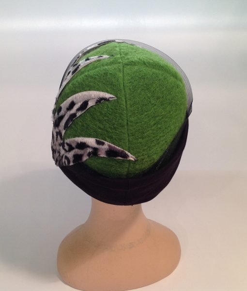 cloche in Jersey cooked with applications and end fleece - rear view