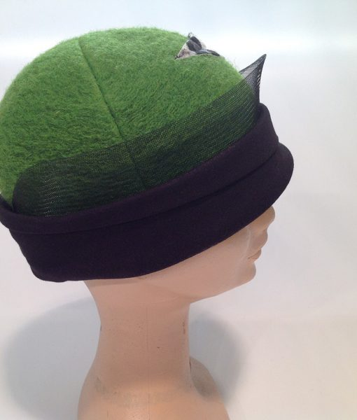 cloche in Jersey cooked with applications and end fleece - side view